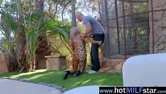 (Alyssa Lynn) Gorgeous Milf Busy Riding Huge Dick On Cam Video-04